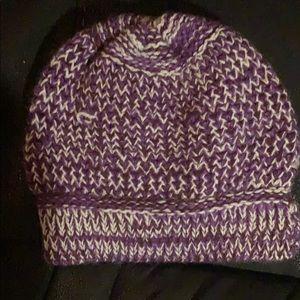 100% alpaca beanie hat.. purple